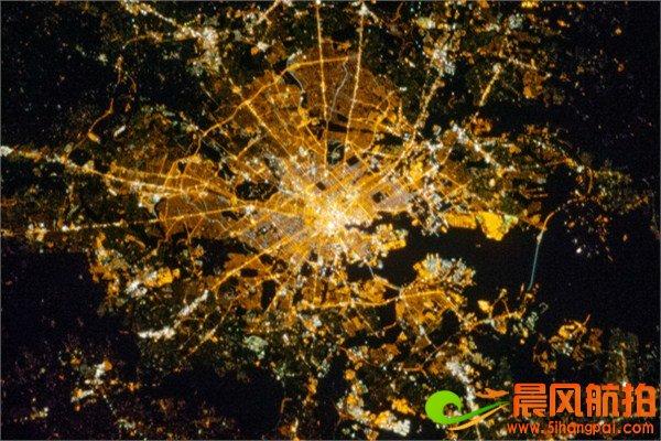 加拿大与美国交界处_高清卫星航拍夜景图(世界各地均有拍摄)_晨风影像科技